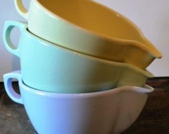 vintage kitsch ...set of 3 MELMAC Gpl CREAMER PITCHERS blue yellow green...