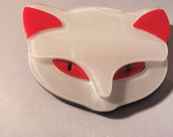 large cat brooch  , acrylic, celluloid, perspex, art deco,white lucite