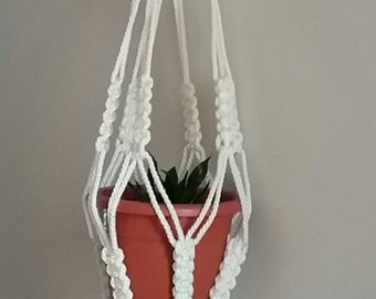Pots of macrame in waxed wire to hang 1 or 2 pots. Handmade.