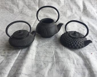 3 Japanese Vintage Miniature Black Cast Iron Small Teapots / Kettles Tetsubin