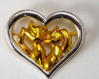 Danecraft Heart Brooch Pin With Loving Cuddling Kitty Cats Kittens
