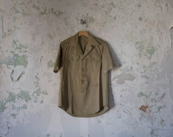 Vintage Army Shirt - 1970s 70s Mens Military Shirt Khaki Brown Patches Button up Small Medium