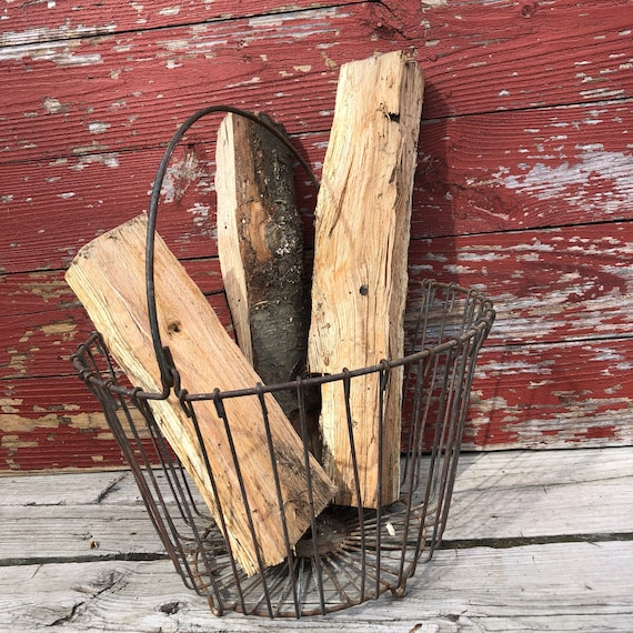 "vintage steel wire egg collecting basket, 10"" x 14"", footed"