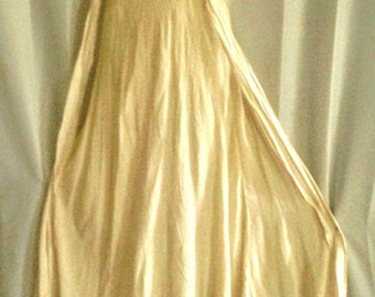 Soft Cream Colored Crepe like Material Night Gown with Lace Bodice #Longerie #Night Wear