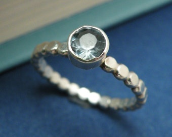 SOLITAIRE AQUAMARINE - Sterling Silver and Aquamarine Ring In Your Size