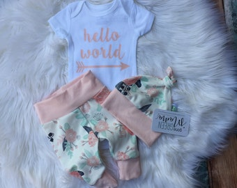 Hello world newborn outfit, newborn outfit, newborn girl coming home outfit, take home outfit girl, baby girl, take home outfit, hello