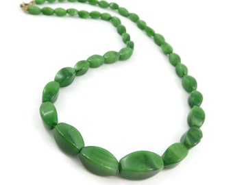 Vintage, Green Glass, Bead Necklace, Graduated
