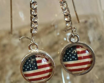 All American Flag Dangle Earrings - Add a little touch of American pride to your favorite outfit!!