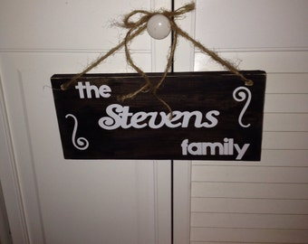 SALE!  Distressed Wood Family Sign with Twine Bow (YOU PERSONALIZE)