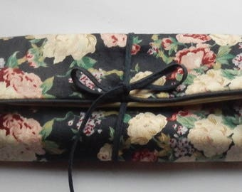 Floral Cloth Folding Jewelry Pouch!