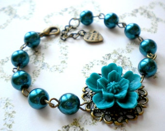 Flower Bracelet Bridesmaid Gifts Emerald Bracelet Flower Wedding Jewelry Pearl Bridesmaid Bracelet Maid Of Honor Gift Romantic Jewelry