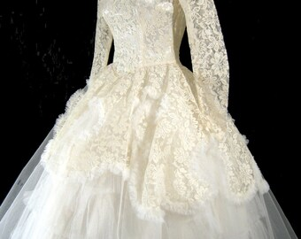 Vintage 1950's LACE WEDDING GoWN Dress XS 50's Frothy FuLL Pin Up Chantilly