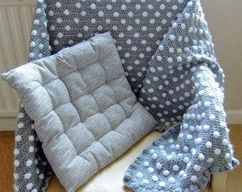 Large Throw with polka-dot bobbles and frill edging