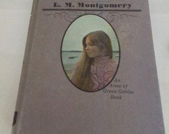 Vintage Chronicles Of Avonlea Book 1976 Anne