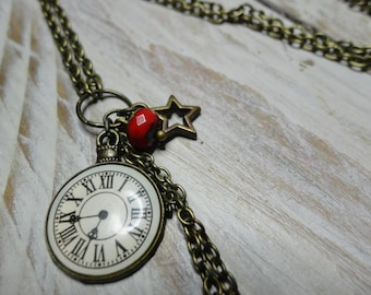 "Necklace ""what time is it?"""