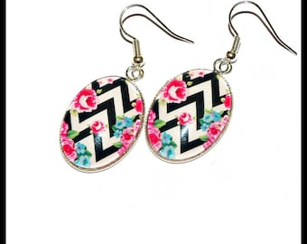 Earrings oval vintage zigzag pattern