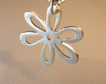 Daisy flower necklace handmade from sterling silver - Solid 925 NL651