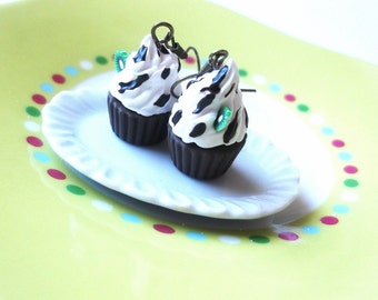 Food Earrings Cupcake Earrings ( polymer clay jewelry dessert earrings food jewelry miniature cupcake kiwi cupcakes miniature food)