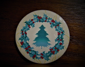 Holly Wreath and Tree Magnet