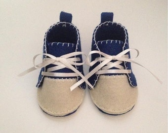 Baby shoes made of felt