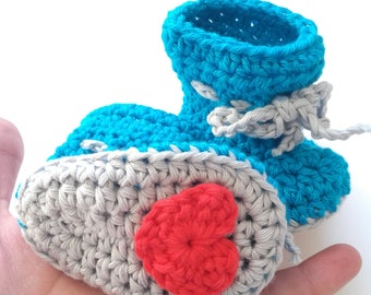 Crochet booties, crochet baby shoes.  Soft-soled booties. Baby shower gift. Scarpe crochet. Slippers.