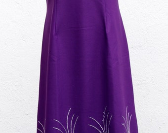 Vintage dress / 70s, purple with embroidery