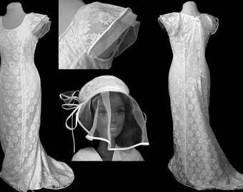 Close fitting wedding dress