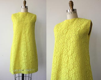 vintage 1960s lace dress / 60s neon yellow lace cocktail dress / 60s party dress / 60s lace tent dress / 60s shift dress / size small