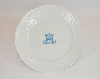 "Lauryn 10"" Dinner Plate (shown with image #i121 - Small Blue custom  monogram in light blue)"