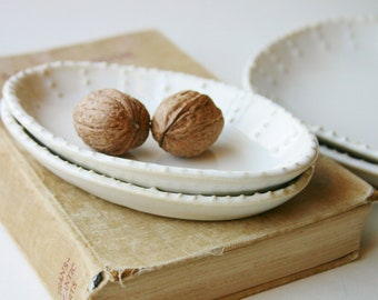 Small Oval Dish - 16 Color Choices - One Dish - French Country Dinnerware - MADE TO ORDER