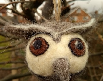 Needle felted owl - ornament/decoration, animal soft sculpture, collectable