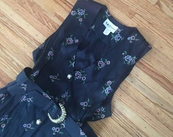 40's Size Medium Sleeveless Floral Dress with Belt