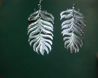 leaf earrings , silver leaf earrings