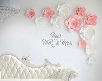 large paper flowers white and light pink, paper flowers wall decor wedding, Pink Paper Flowers, Paper Flower Backdrop, paper flowers wall