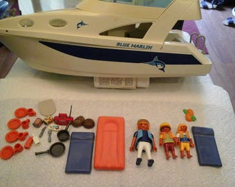 Vintage Play Mobil Boat The Blue Marlin With Captain And 2 Deck Hands & all acceseries