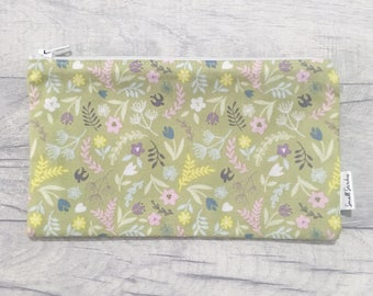 Floral zipped pouch, pencil case, makeup bag, travel pouch, accessories case, small floral zipper bag, stationary case
