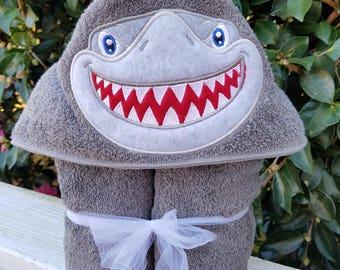 Hooded towel for kids, hooded shark towel, hooded bath towel, kids towel, kids bath towel, beach towel, shark party, birthday gift, toddler