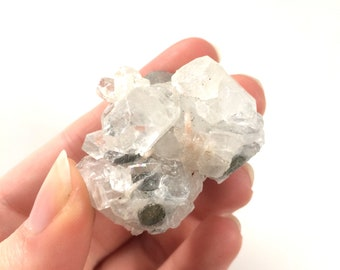 Apophyllite cluster crystal points