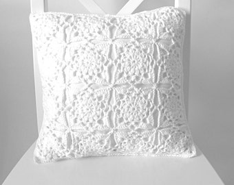 Winter white crochet cushion cover, organic cotton cushion cover, removable cushion cover, cushion cover crochet, crochet decor,