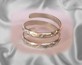 Tinta argento gioielli di Toe Ring - anelli punta incisi in un design accattivante - gioielli di splendida punta regolabile può indossare qualsiasi donna fatto a mano.