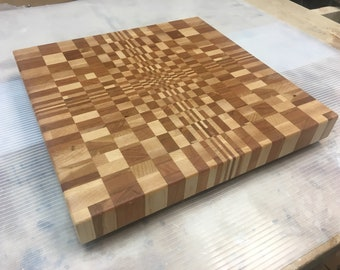 3D pattern end grain cutting board 12 3/4 square