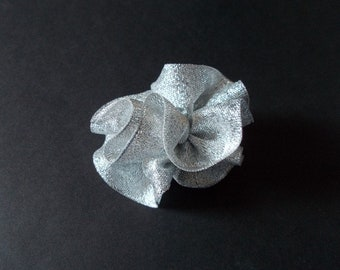 No flat flower organza fabric metalisse silver color