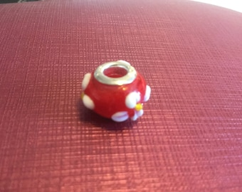 Pretty Spiritual Red Bead with White and Yellow Daisy