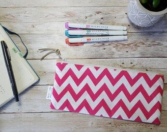 pink pencil case | zipper pouch | zigzag chevron pen bag | accessory case | office supplies | back to school | makeup brush storage