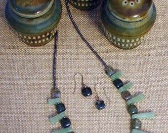 Green fan necklace and earring set