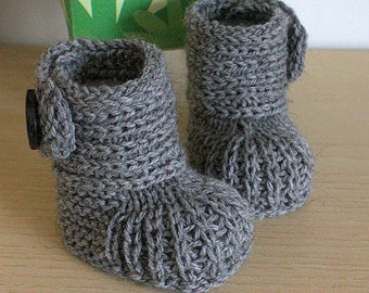 Knitting Pattern (PDF file)  Soft Feet Baby Boots (sizes 0-6/6-9/9-12 months)