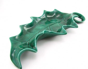 Green dish, ceramic dish,candy dish , key holder,green pottery,leaf, vintage, 1950