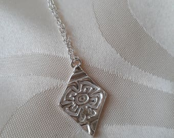 Fine Silver Diamond Shaped Pendant with Necklace - Four Leaf Clover pattern