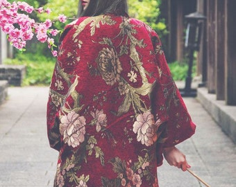 Two sides to wear Lost in Kyoto super gorgeous Japanese painting red floral and black oil painting flowers kimono