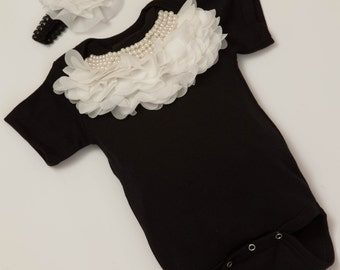 Baby Girl Black One Piece Set Short Sleeve Set with Pearl and Chiffon Collar
